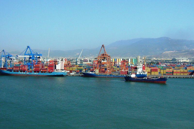 Industriehafen von Izmir